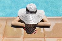 スペイン 帽子をかぶった女性