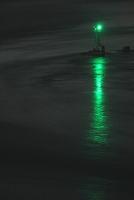 真夜中の潮流の海