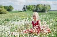 花畑にいる女の子