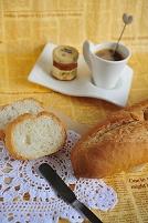 フランスパンとコーヒー