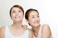 中高年日本人女性2名