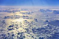 フィリピン 飛行機からみた雲と海