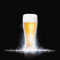 きんきんに冷えたグラスビール