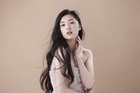 美しいアジア人女性