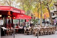 フランス パリの街角にて