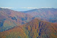 福井県 荒島岳から北アルプス遠望奥の白い山々