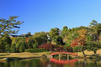 奈良県 旧大乗院庭園 東大池と紅葉