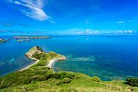 東京都 小笠原 父島 饅頭岬から見るブタ海岸と南島