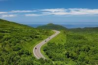 北海道 知床横断道路とオホーツク海