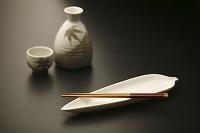 和のイメージ 和皿と徳利のセット