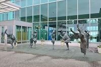 徳島阿波おどり空港 阿波踊り像