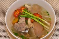 ホーチミン市 ベトナム料理 ラウ・ナム (キノコ鍋)