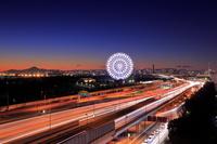 東京都 葛西臨海公園の観覧車と富士山の夜景