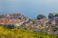 クロアチア ドゥブロヴニク スルジ山より旧市街と秋