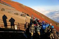 山梨県/静岡県 富士山・八合目の山小屋と登山者