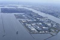 羽田空港上空から見た工業地帯