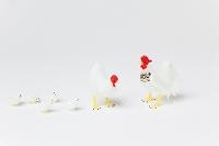 ガラス細工鶏と正月飾り