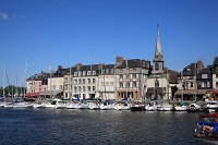 フランス ノルマンディー地方 オンフルール 旧港とサンテティ...