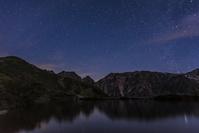 長野県 八方池と不帰岳と星空