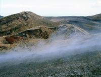 雄山山頂付近より噴火口 2000年年1月 東京都 三宅島