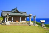 福岡県 宗像大社 沖津宮遙拝所と青空と玄界灘