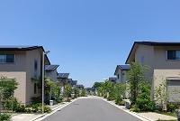 ソーラーパネルを備えた住宅街