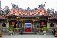 台湾 龍山寺 前門全景