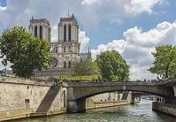 パリ セーヌ河 ノートルダム大聖堂