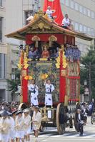 京都府 祇園祭山鉾巡行(前祭) 河原町通を進む函谷鉾