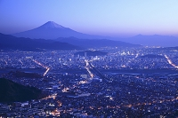 静岡県 静岡市 朝鮮岩から望む朝焼けの富士山と静岡市街