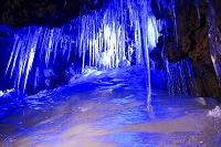 山梨県 鳴沢氷穴の氷柱