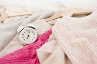 セーターと時計
