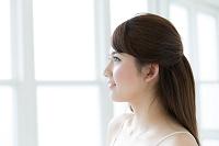 肌の綺麗な若い日本人女性