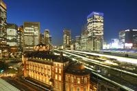 東京都 東京駅駅前広場夜景