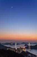 長崎県 月と女神大橋夕景