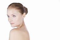 肌のきれいな女性の美容ポートレート