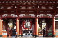 浅草寺 宝蔵門からの本堂