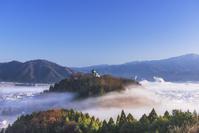 福井県 秋の越前大野城と雲海