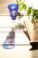 江戸切子のグラスと扇子