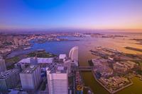 神奈川県 横浜港とみなとみらいの夕景