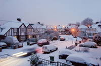 イギリス グレーターロンドン サリー 冬の住宅街