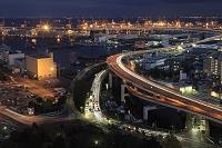 神奈川県 横浜港と高速道路