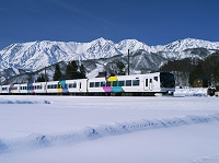 長野県 特急あずさと白馬三山