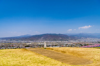 山梨県 八代ふるさと公園の銚子塚古墳から見た甲府盆地