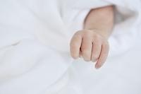 生後5日の赤ちゃん
