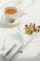 紅茶とドライフルーツと携帯電話