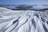 北海道 美幌峠から見る屈斜路湖とシュカブラ