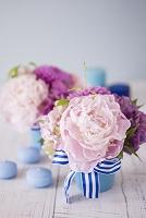 水色とピンクのアレンジメント