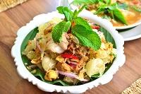 バンコク タイ料理 ヤム・ソムオー