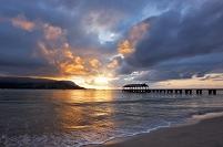 ハワイ カウアイ島 夕暮れのハナレイ湾